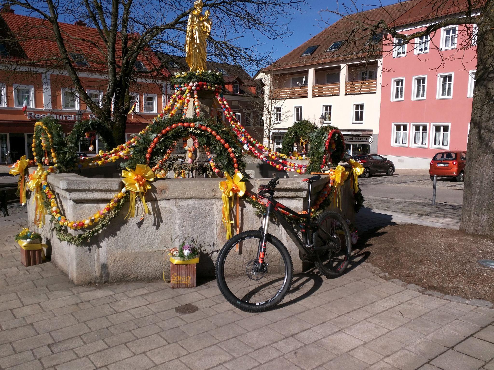 Osterbrunnen in Waldmünchen