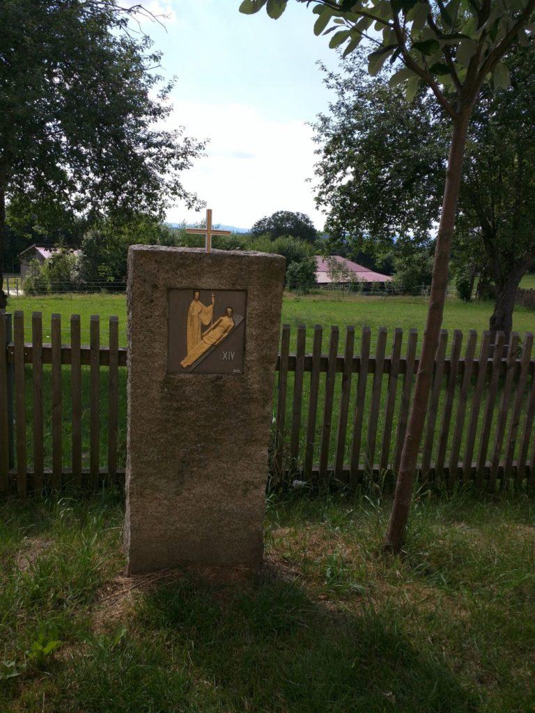 Kreuzweg zur Kirchen St. Anna in Herzogau