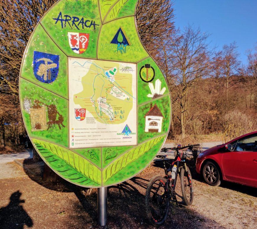 Arrach, Übersichtskarte am Parkplatz