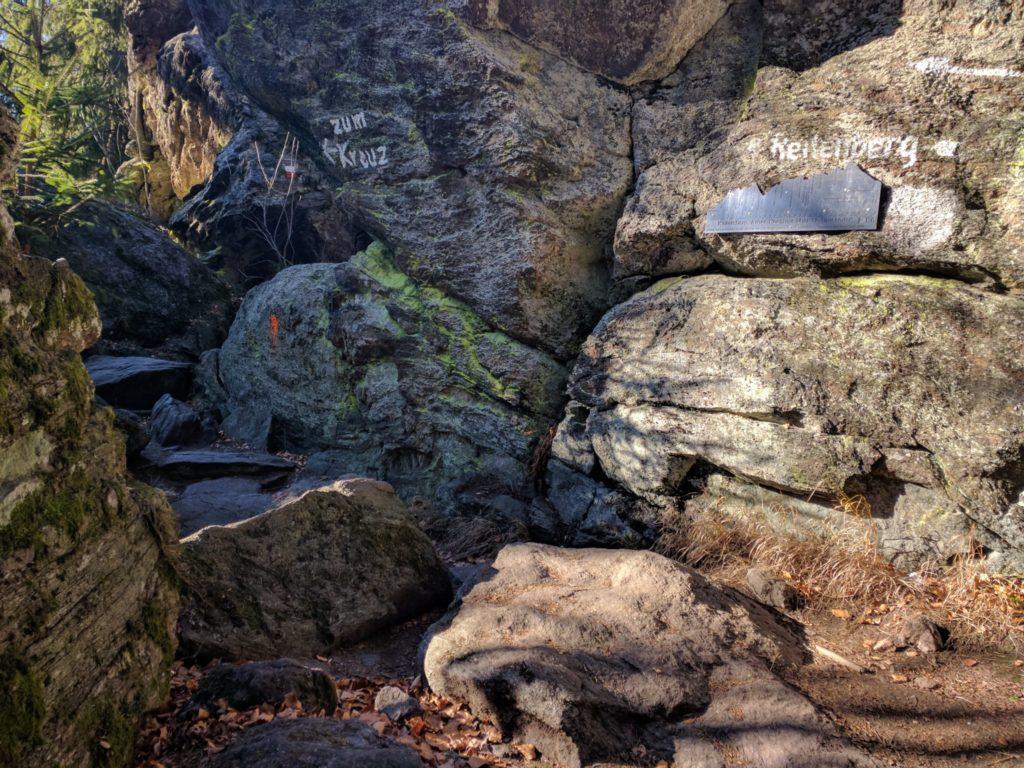 Weg zum Kreuzfelsen am Kaitersberg