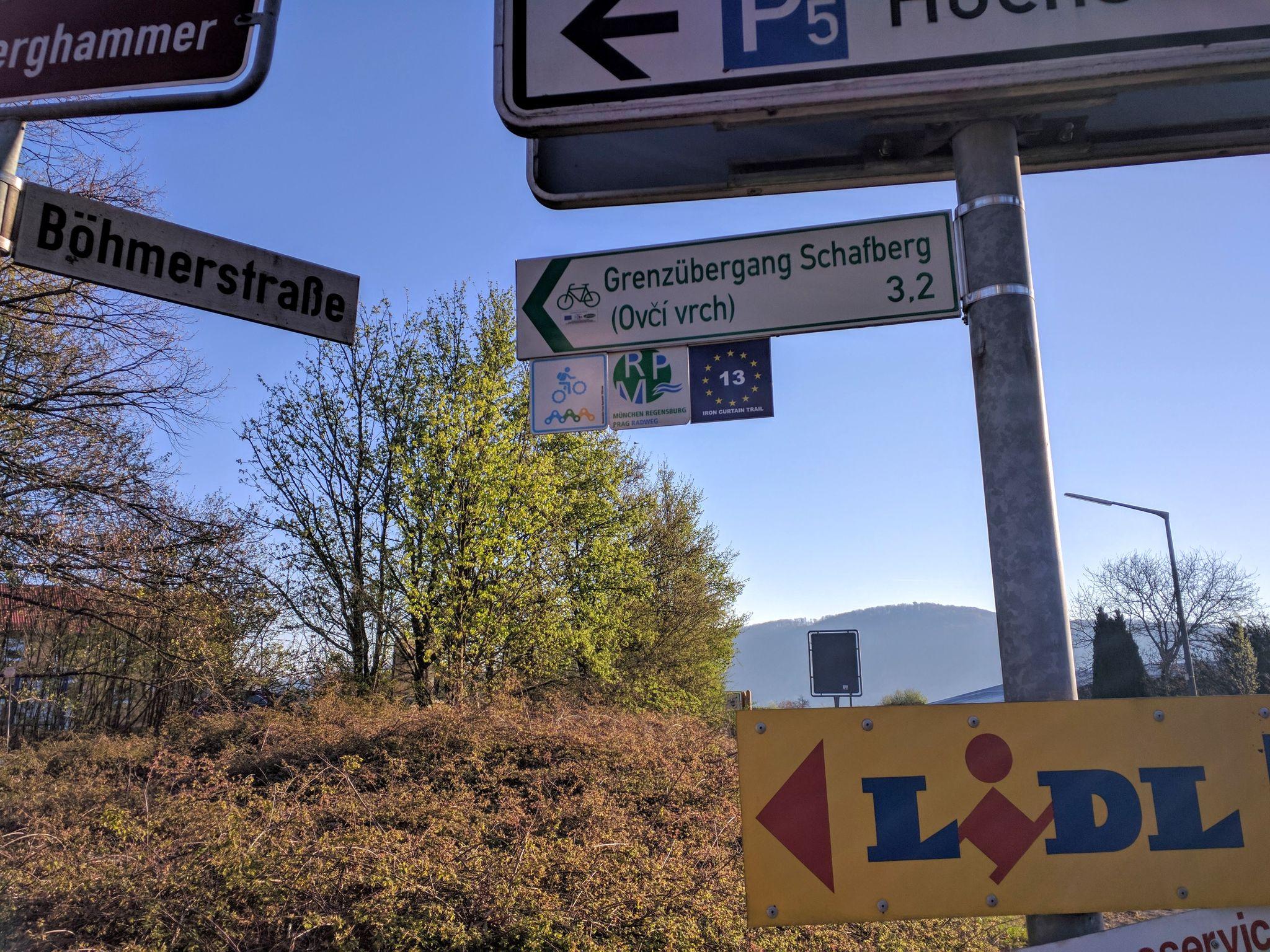 Die Trans Bayerwald führt zunächst in Richtung Grenze.