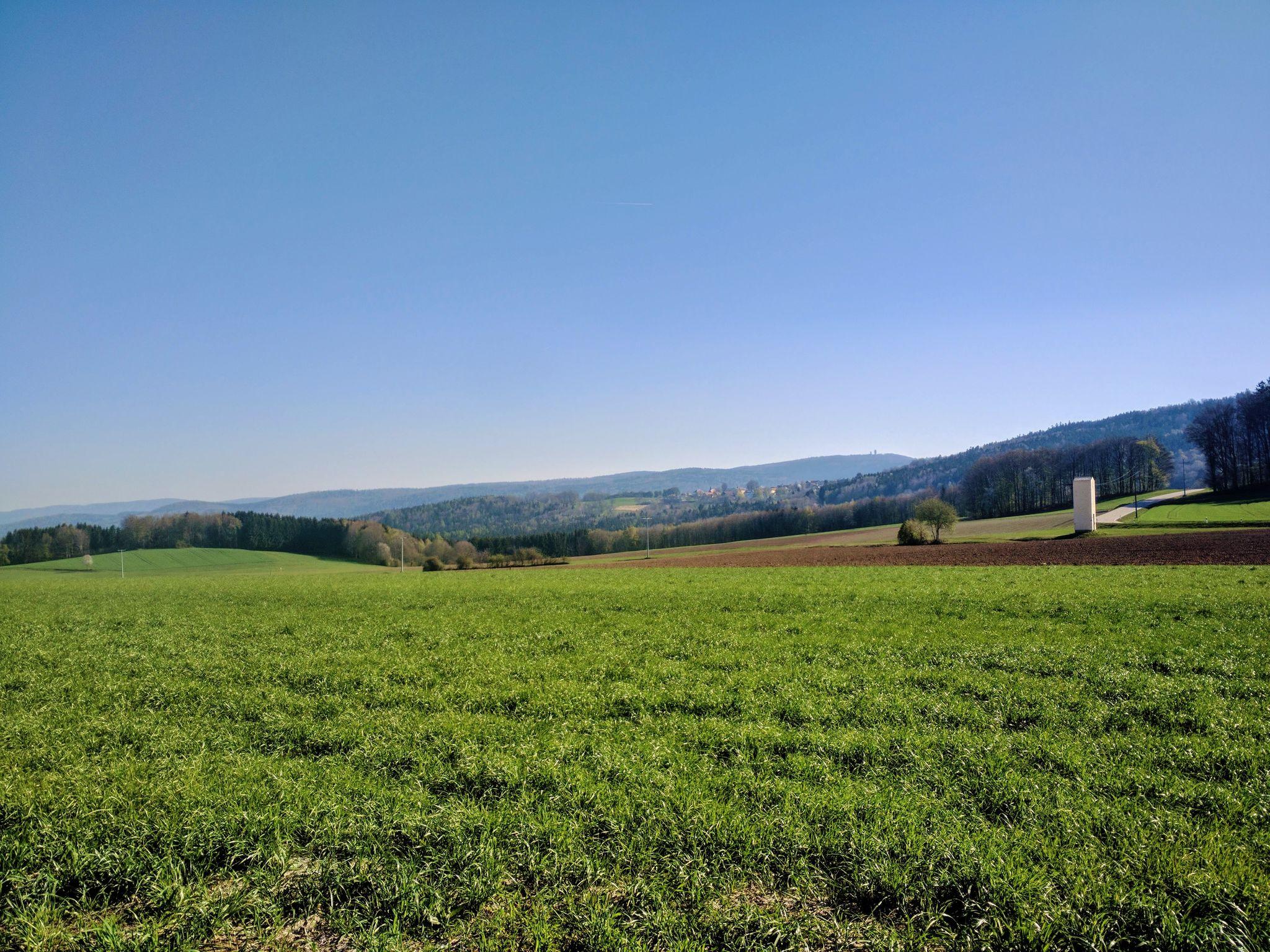 Blick von Machtesberg zurück nach Herzogau