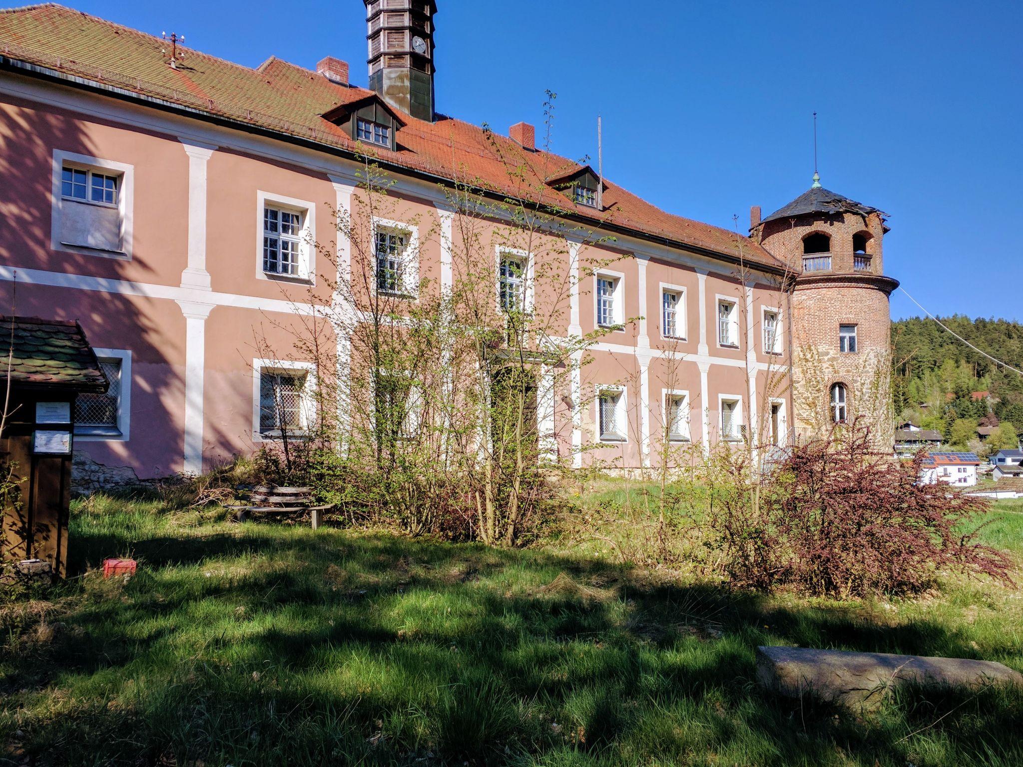Verfallendes Schloss in Stamsried