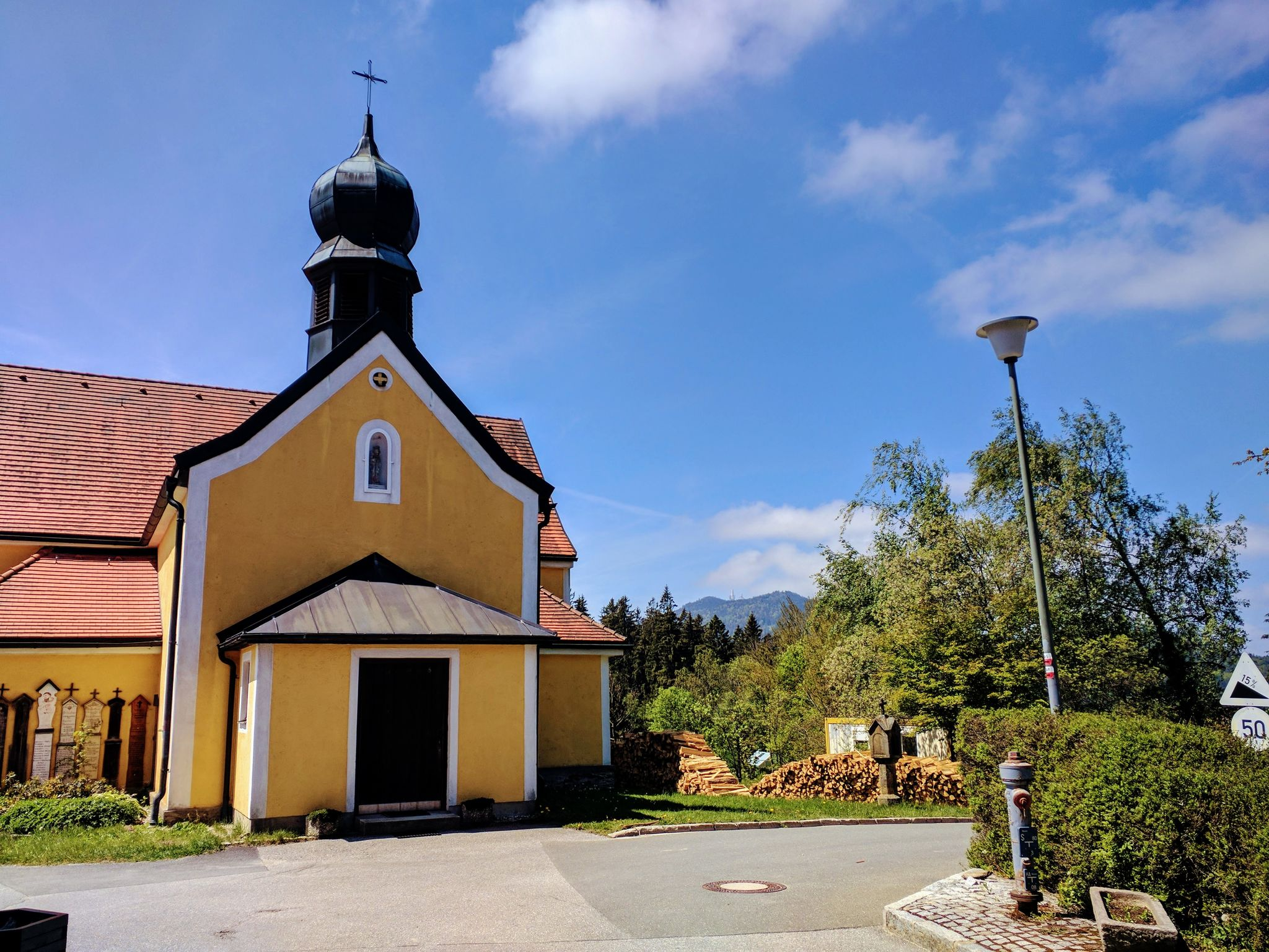 Kirche Maria Schmerzensmutter in Kolmstein