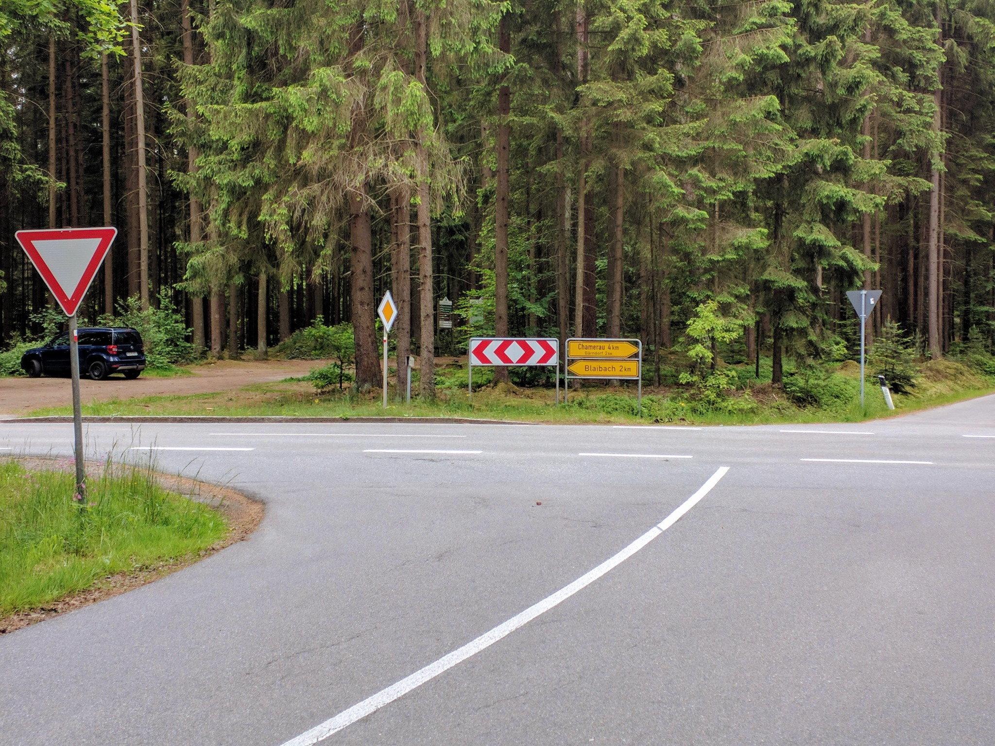 Kreuzung bei Neukolmberg