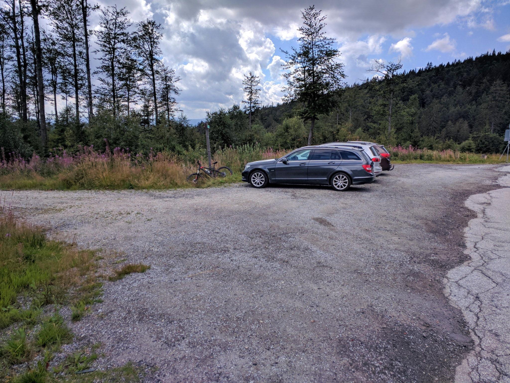 Trailbeginn in Bretterschachten