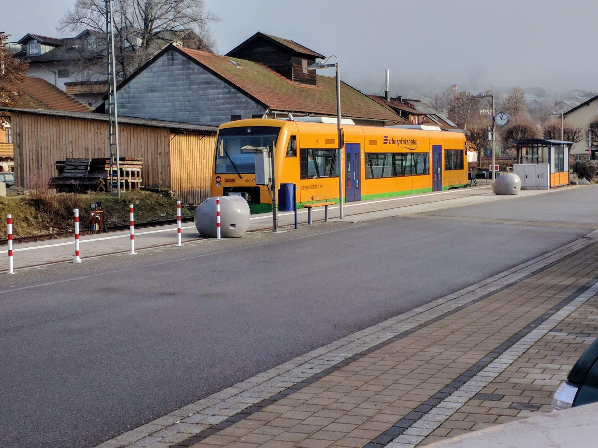 Oberpfalzbahn am Bahnhof in Lam